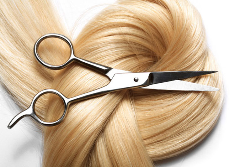 Ordered to cut her daughter's hair in court