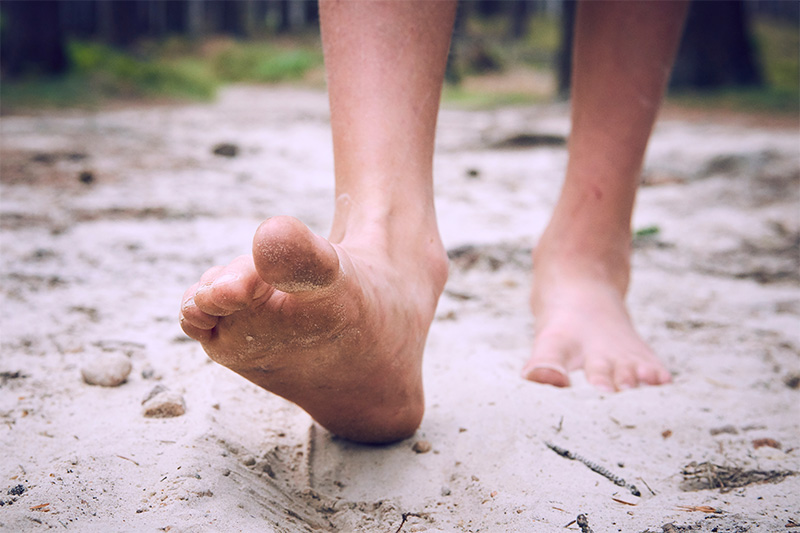 Ways How Walking Barefoot Can Help Your Body Function Better