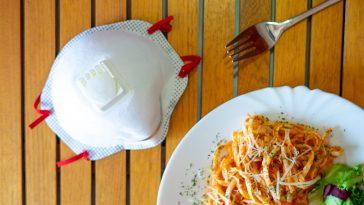 9 Things Restaurants Do That Increase Your Coronavirus Risk