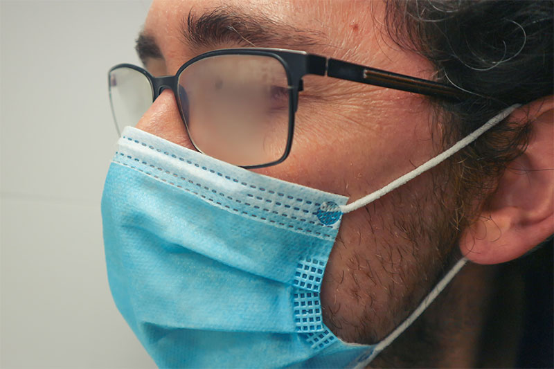 5 Ways to Keep Glasses From Fogging When Wearing a Mask