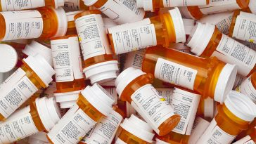 10 Silent Signs You May Be Developing a Pain Pill Addiction