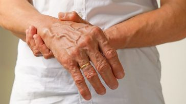 Numbness or Tingling in Your Hands Is One of the Early Signs of MS