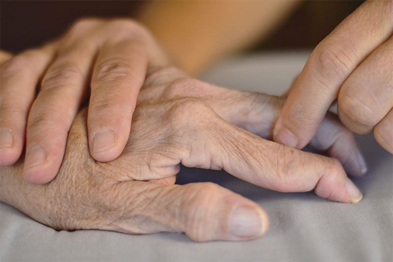 10 Little Life Hacks People With Rheumatoid Arthritis Swear By