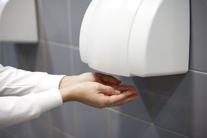Dry your hands right